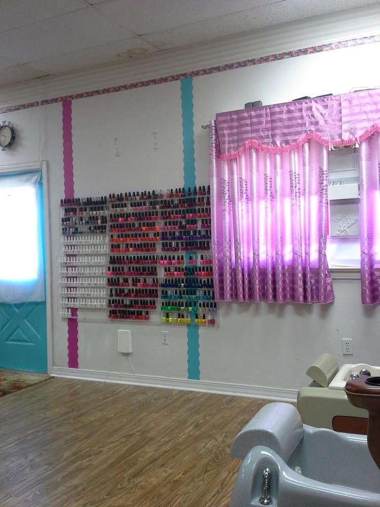 Shiny Nails: 1118 N Pine St, Deridder, LA