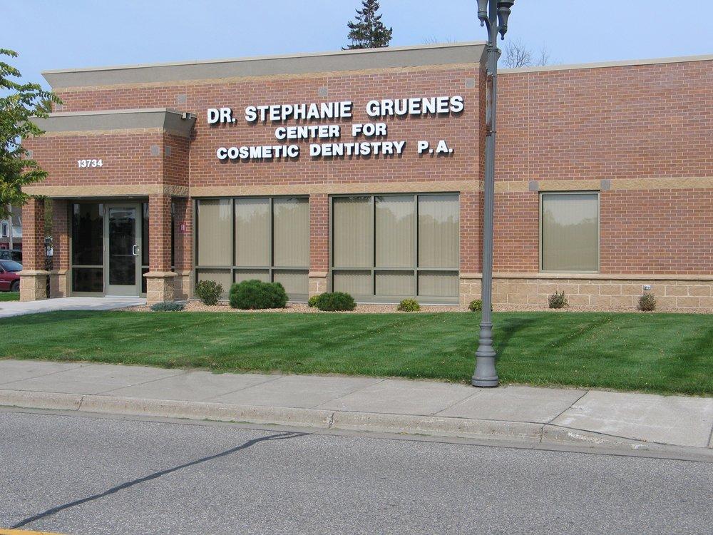 Stephanie Gruenes Center for Cosmetics Dentistry: 13734 1st St, Becker, MN