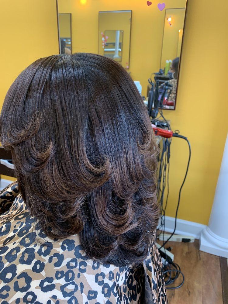 Lia Dominican Salon: 7066 Allentown Rd, Temple Hills, MD