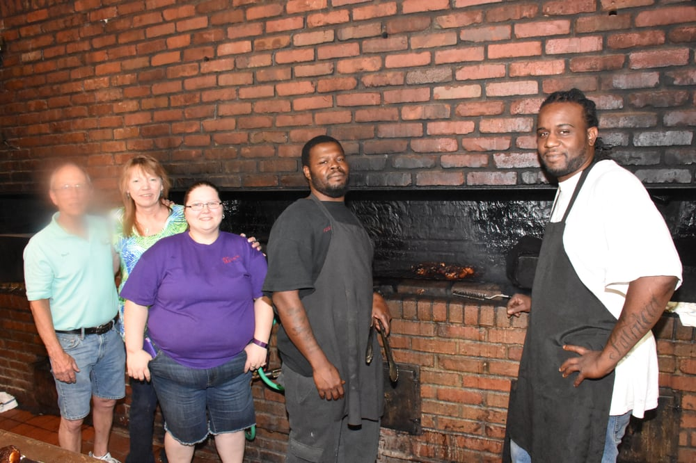 Miss myra s pit bar b q 60 foto 39 s 82 reviews for Food bar in cahaba heights