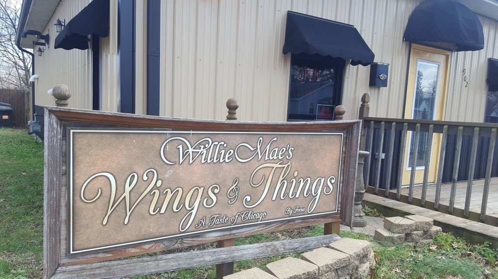 Willie Mae's Wings And Things: 902 S Main St, Charleston, MO