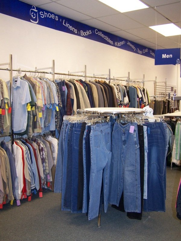 Et Cetera Shop: 111 S Main St, Bluffton, OH