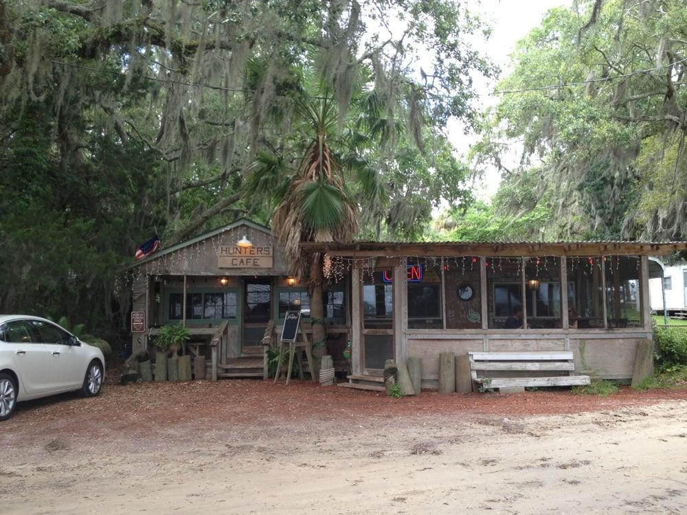 Hunter's Cafe: 1093 River Rd NE, Shellman Bluff, GA