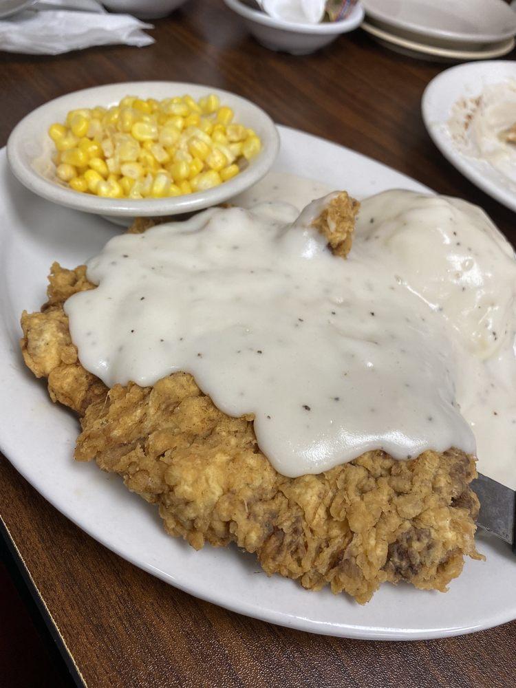 Auntie C's Restaurant: 425 E 61st St N, Park City, KS