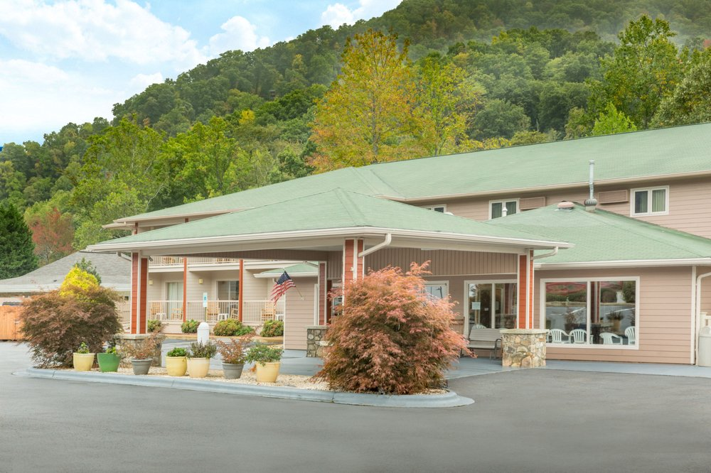 Maggie Valley (NC) United States  city pictures gallery : Valley Hotels 4048 Soco Road, Maggie Valley, NC, United States ...