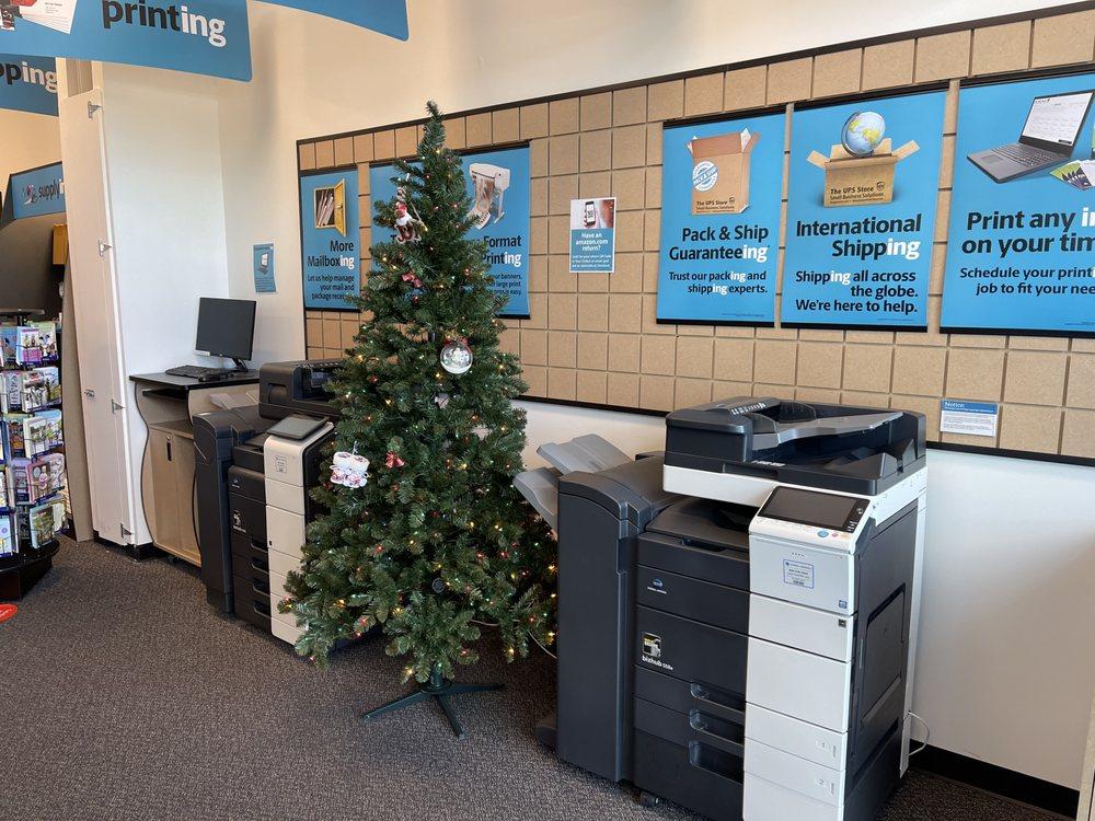 The UPS Store: 3459 Saint Rose Pkwy, Henderson, NV