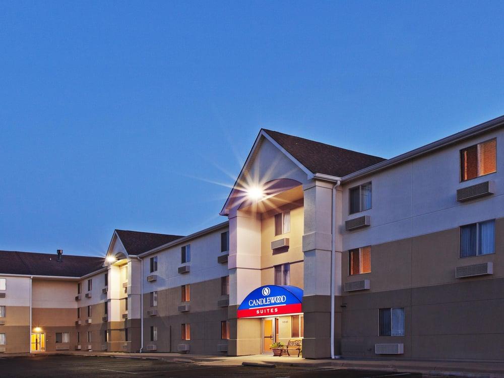Candlewood Suites Wichita-Northeast: 3141 N Webb Rd, Wichita, KS