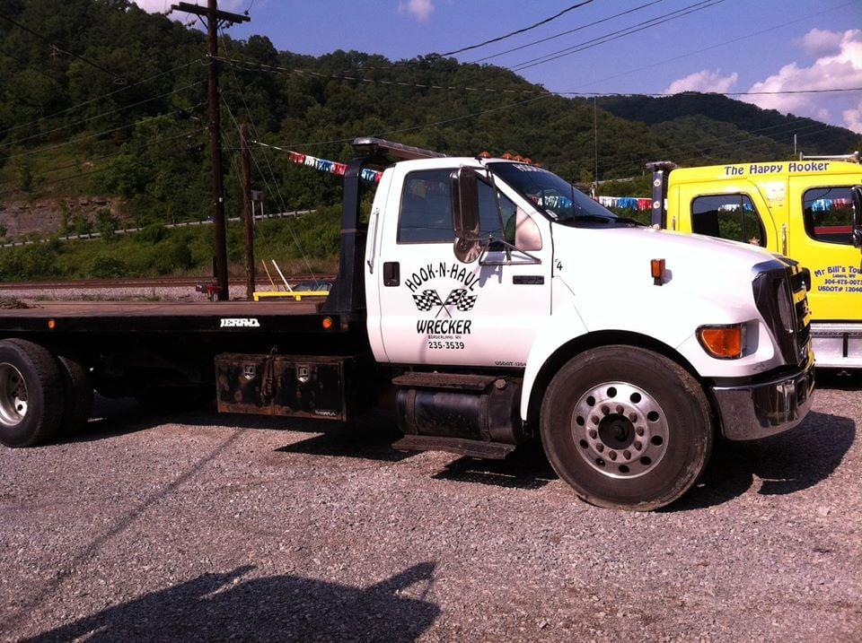 Hook-N-Haul Wrecker Service: 1 Winifrede St, Williamson, WV