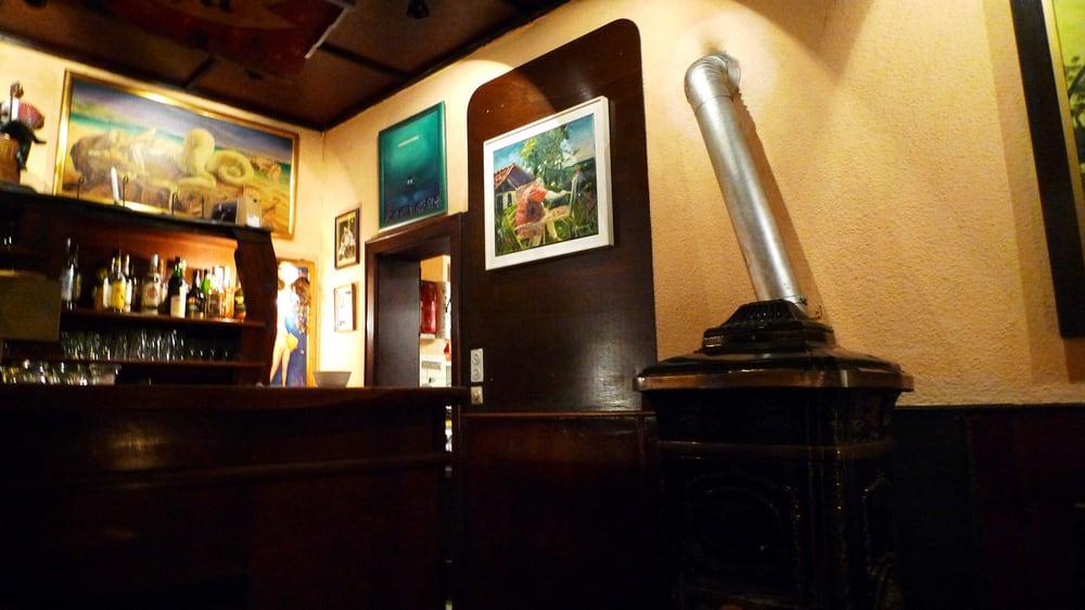 Bar/Küchentür    aufgenommen im März 2012 - Yelp