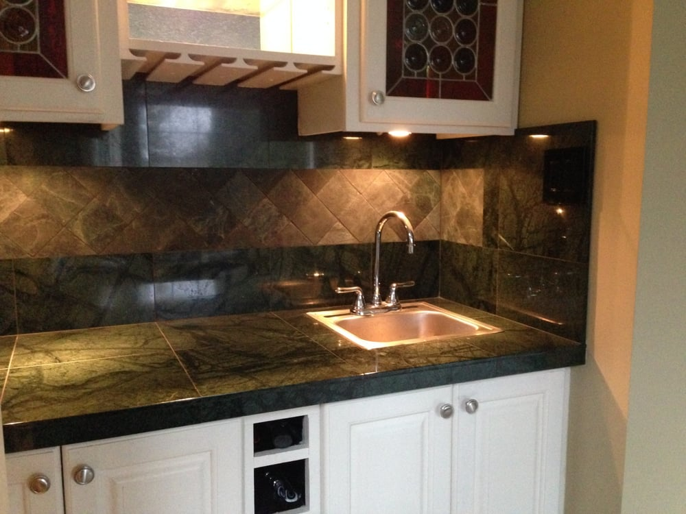 Marble Bar Countertop With Tumbled Marble Decorative Band