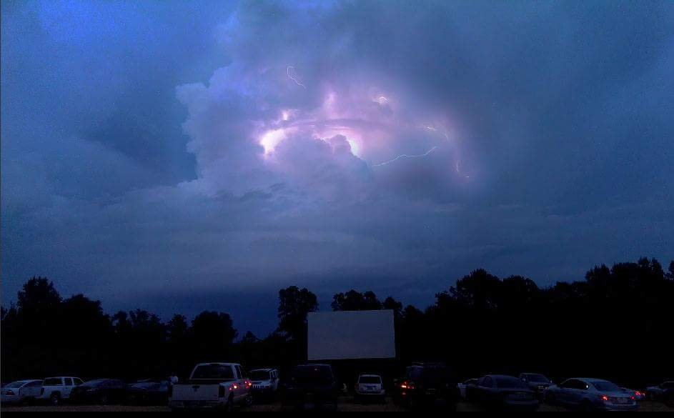 Blue Moon Drive-In Theater: 4690 US Hwy 43, Gu-Win, AL