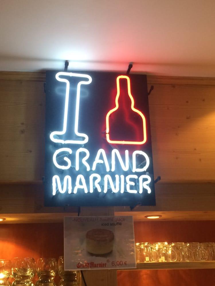 Creperie Au Grand Marnier   Place des Dolomites, 73150 Val dIsere   +33 9 87 07 19 28