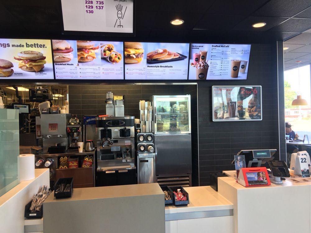 McDonald's: 821 W 7th St, Evart, MI