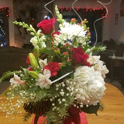 Photo Of Liberty House Florist Akron Oh United States Christmas Arrangement For