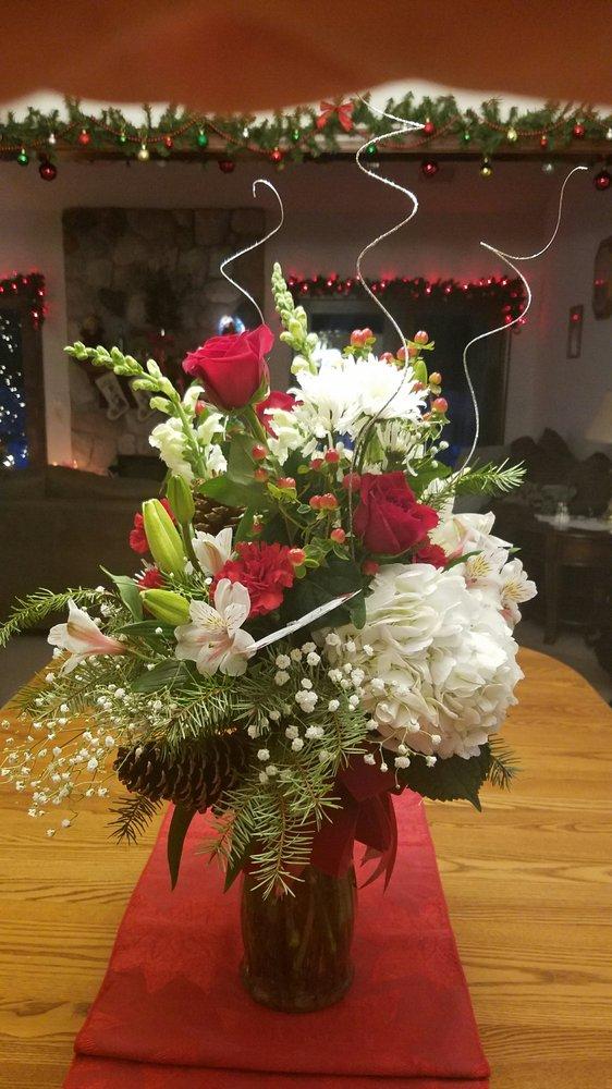 Liberty House Florist: 3498 S Arlington Rd, Akron, OH