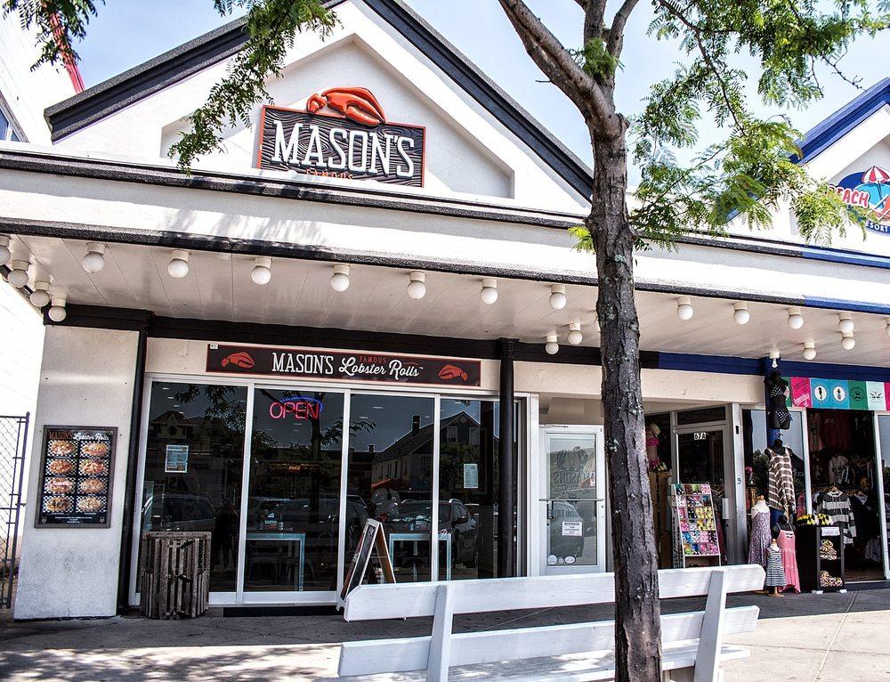 Mason's Famous Lobster Rolls: 67 Rehoboth Ave, Rehoboth Beach, DE