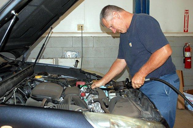 Chris's Auto Repair & Towing: 302 Upper Demunds Rd, Dallas, PA