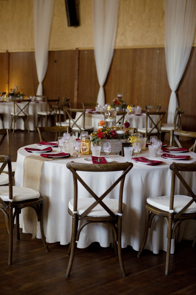 Simple Country Wedding and Vintage Decor Rentals