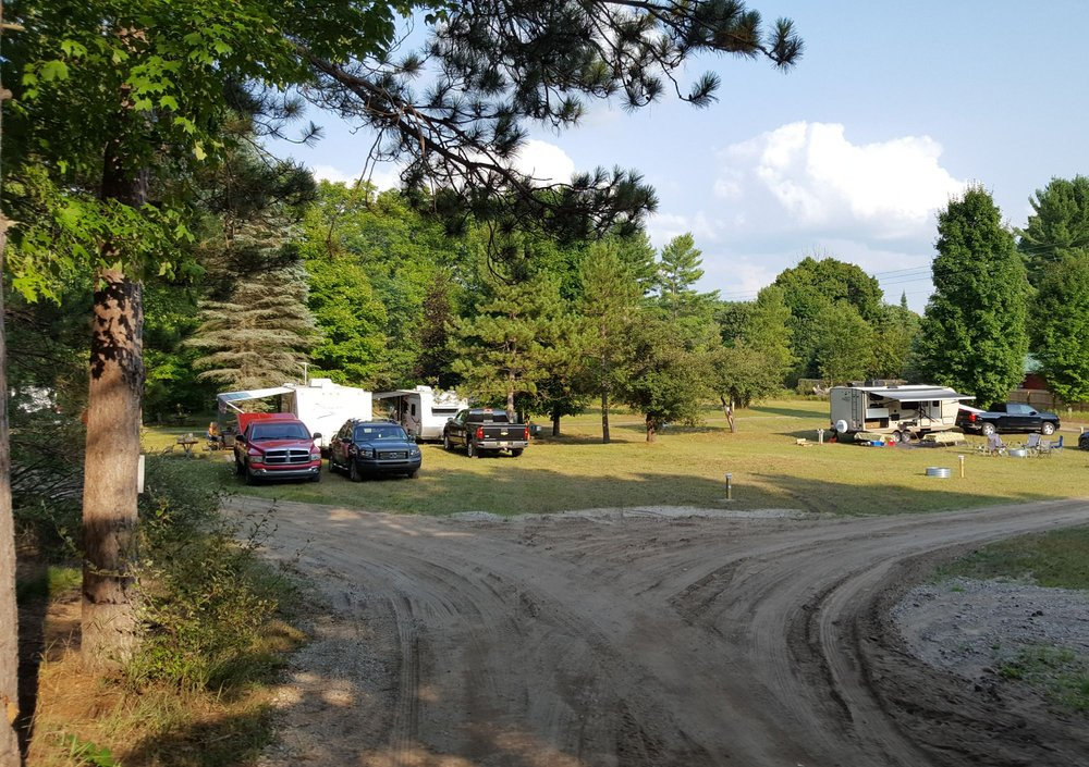 Betsie River Canoes & Campground: 13598 Lindy Rd, Thompsonville, MI