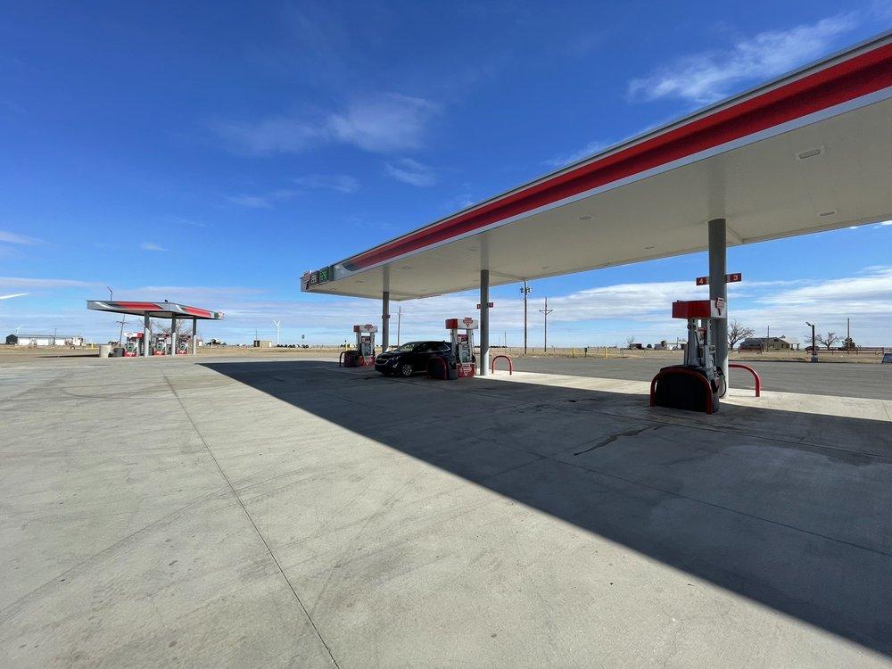 Garrison Food Mart: 226 Ranch Rd 2300, Groom, TX