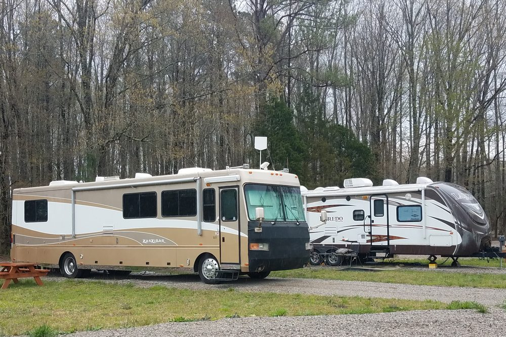 Country Critters Campground and RV Park: 1331 Elm Rd, Adamsville, TN