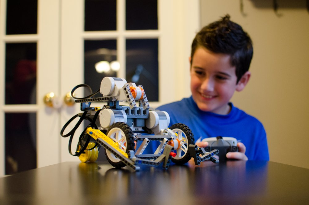 Create robotic models inspired by real life robotic technologies