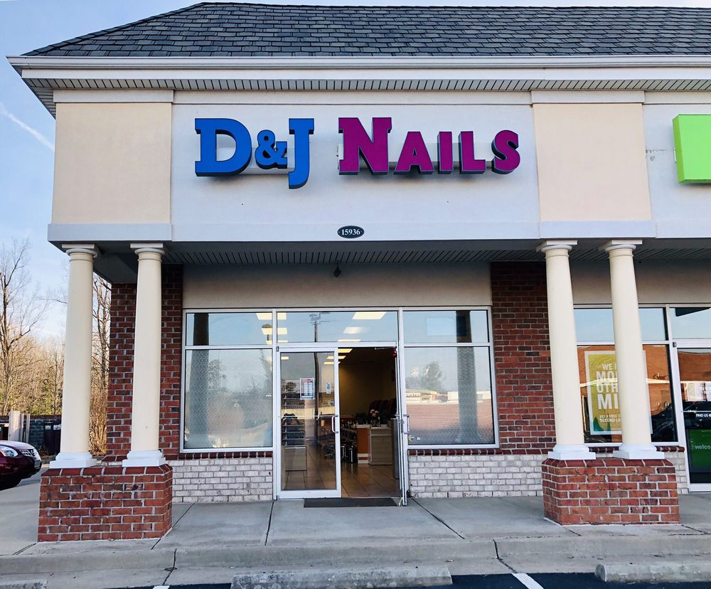 D&J Nails: 15936 N James Madison Hwy, Dillwyn, VA