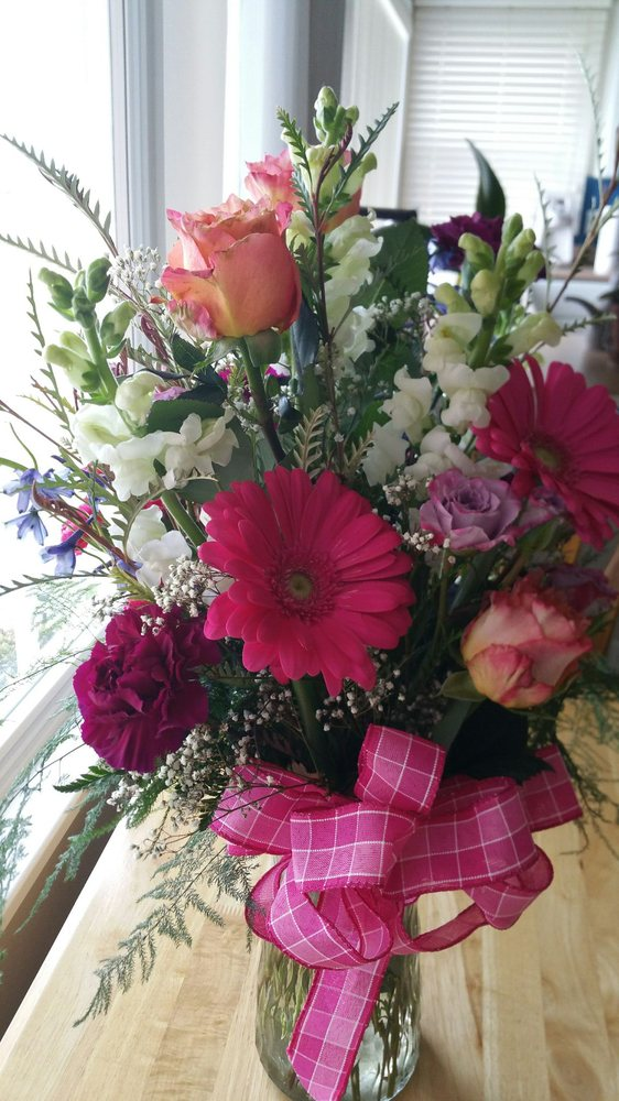 Enchanted Florist: 960 3rd St, Crescent City, CA