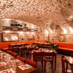 Restaurant Les Lyonnais  Rue De La Bombarde