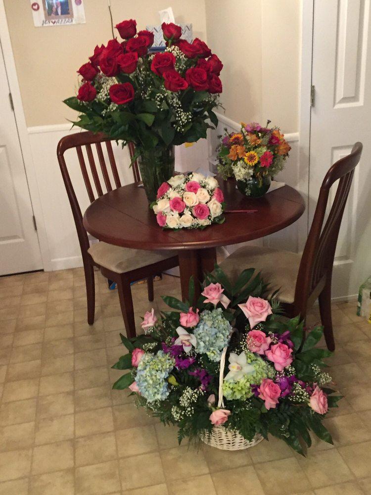 Floral Park Florist: 130 Tulip Ave, Floral Park, NY