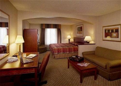 Holiday Inn Express & Suites Garden City: 2502 E Kansas Ave, Garden City, KS