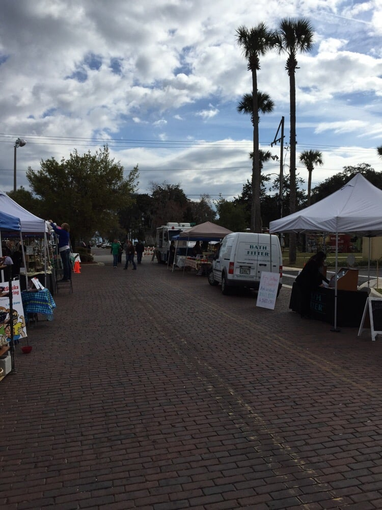 Market In the Park: 326 Walnut St, Green Cove Springs, FL
