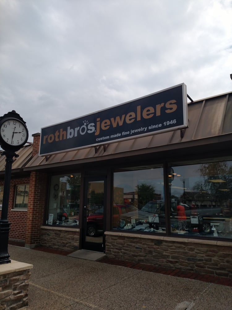 Roth Jewelers: 109 W Broadway St, Monticello, IN