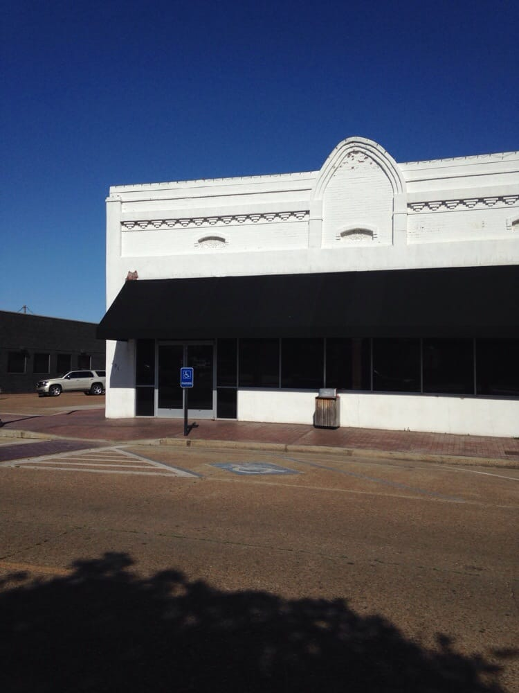 The Pickled Okra Bar & Grill: 201 S Sharpe Ave, Cleveland, MS