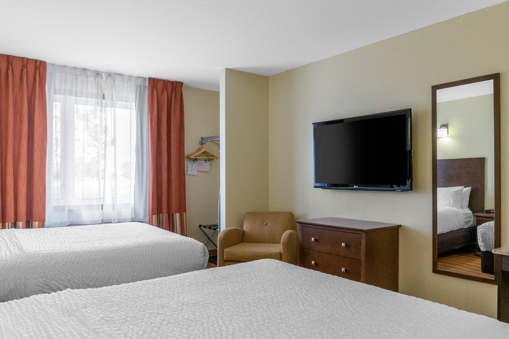 Quality Inn & Suites: 851 Main Street, Winkler, MB