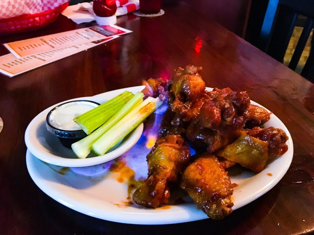 The Dugout Sports Bar & Pizzeria: 6125 State Rt 434, Apalachin, NY