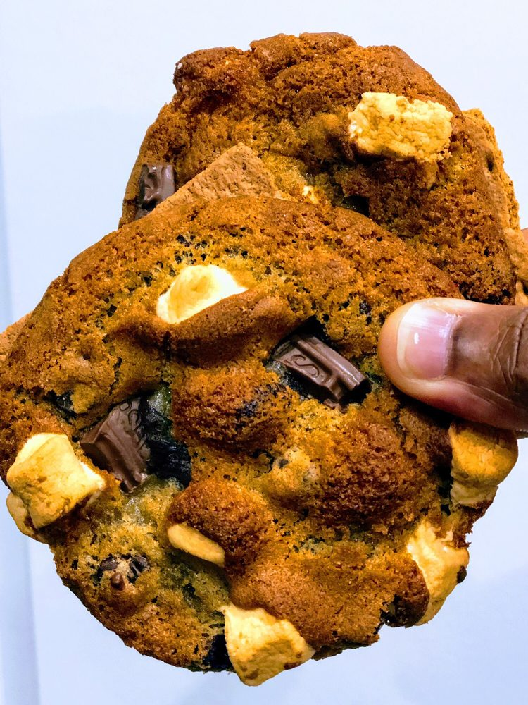 Ali's Cookies Emory: 1561 N Decatur Rd, Atlanta, GA