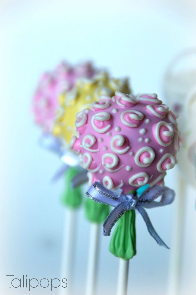 Flower bouquet cake-pops by Talipops, made for a wedding reception ...