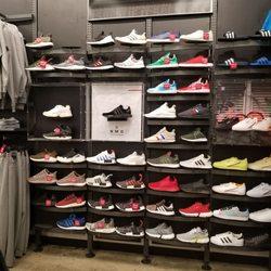 48120a54c Foot Locker - 15 Photos   13 Reviews - Shoe Stores - 24201 Valencia ...