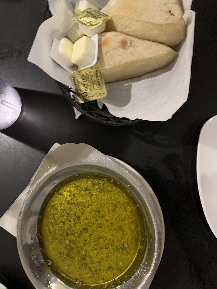 Tornatore's Cafe & Pizzeria: 3818 Edgewater Dr, Orlando, FL