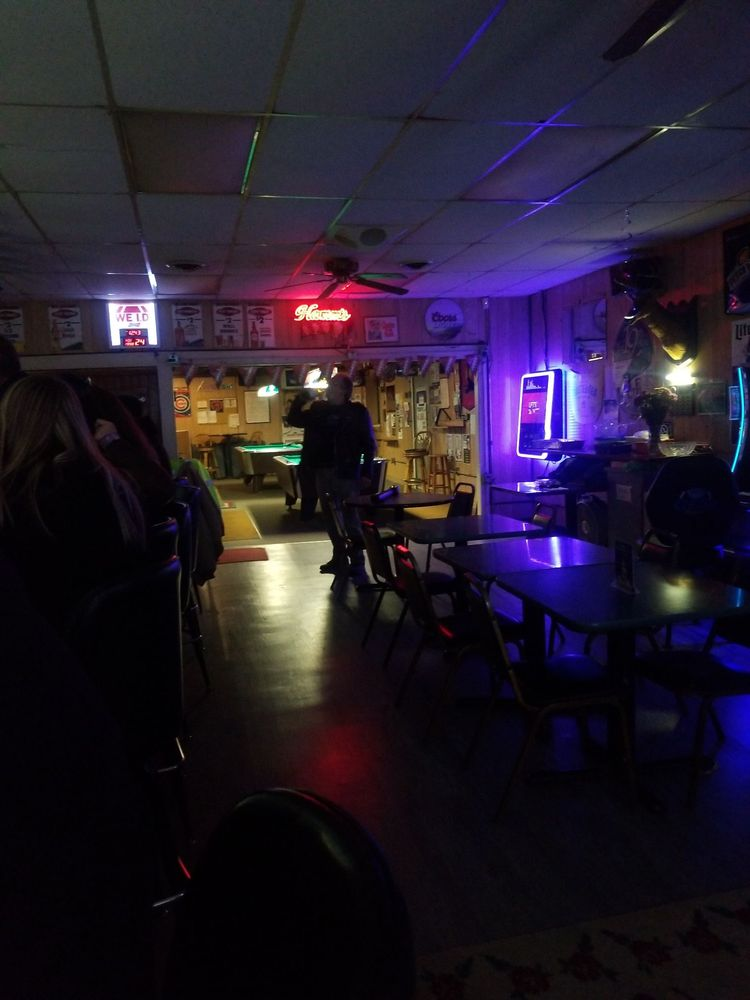 Rosy's Watering Hole: 1731 7th St, Moline, IL