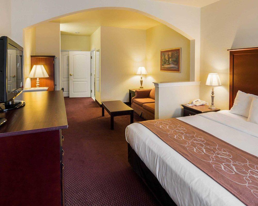 Comfort Suites: 215 Richill Drive, Texarkana, TX