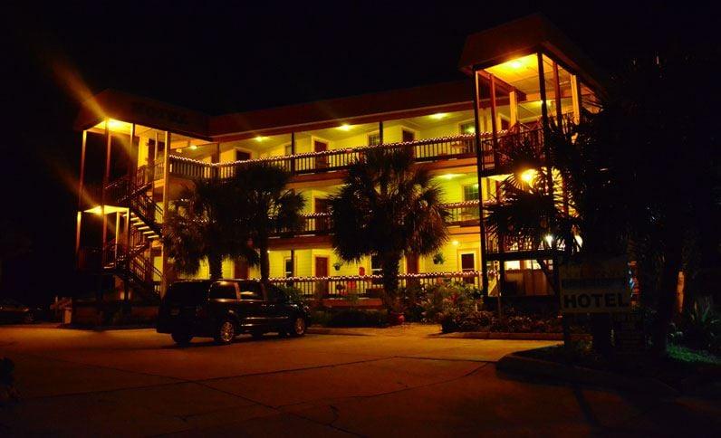 The Saint Augustine Beach House: 10 Vilano Rd, Saint Augustine, FL