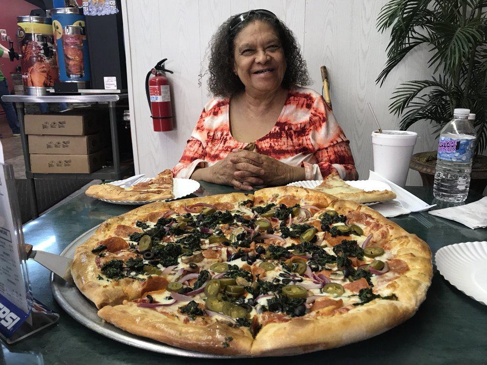 David's Pizza: 427 N Broadway St, Ashford, AL