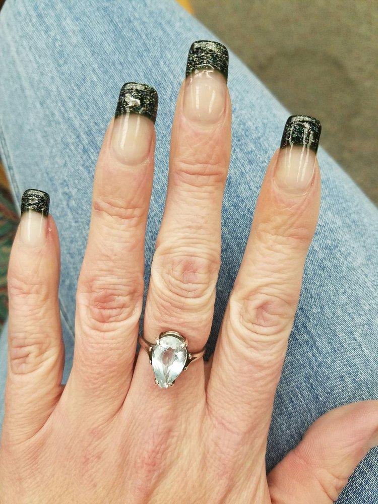 Gloss Nails Spa: 3116 Oak Rd, Walnut Creek, CA