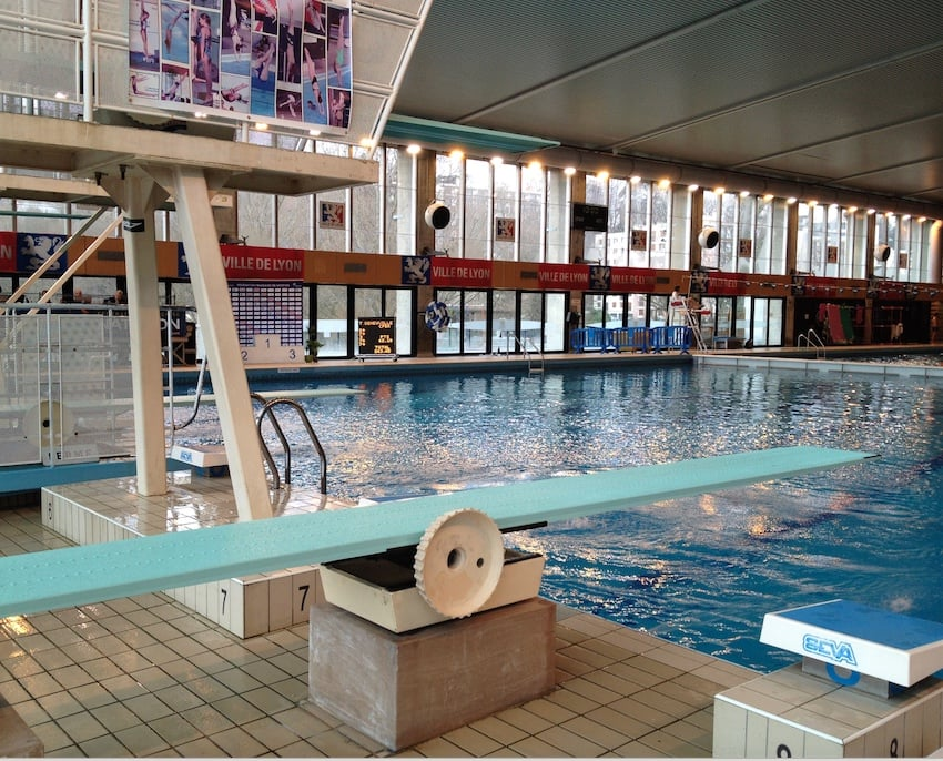 Piscine de vaise 25 50 ave sidoine for Piscine de vaise