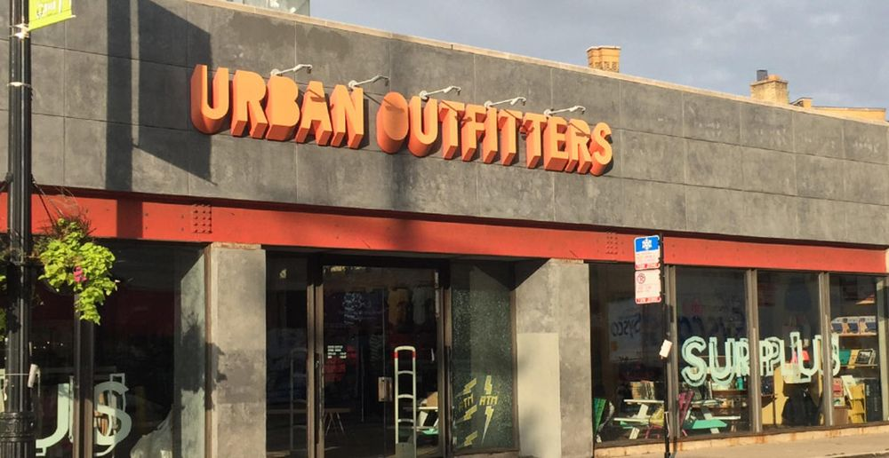 Urban Outfitters: 2352 N Clark St, Chicago, IL