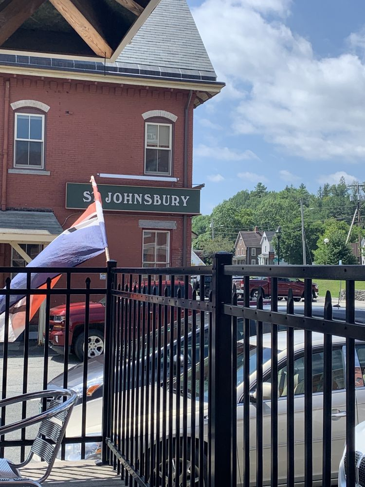 Wine Gate: 25 Depot Sq, Saint Johnsbury, VT