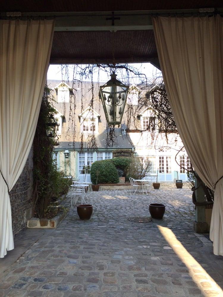 douce france hotels 13 rue doct pierre girard veules les roses seine maritime france. Black Bedroom Furniture Sets. Home Design Ideas