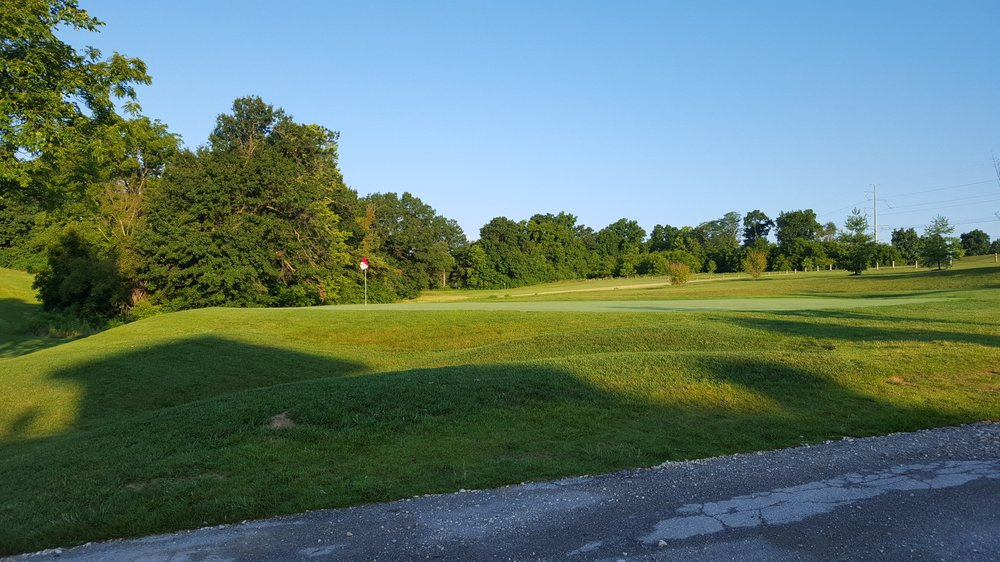 Woods Fort Golf Course: 1 Country Club Dr, Troy, MO
